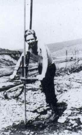 photo of Earl Beistline hand-driving a steam point.